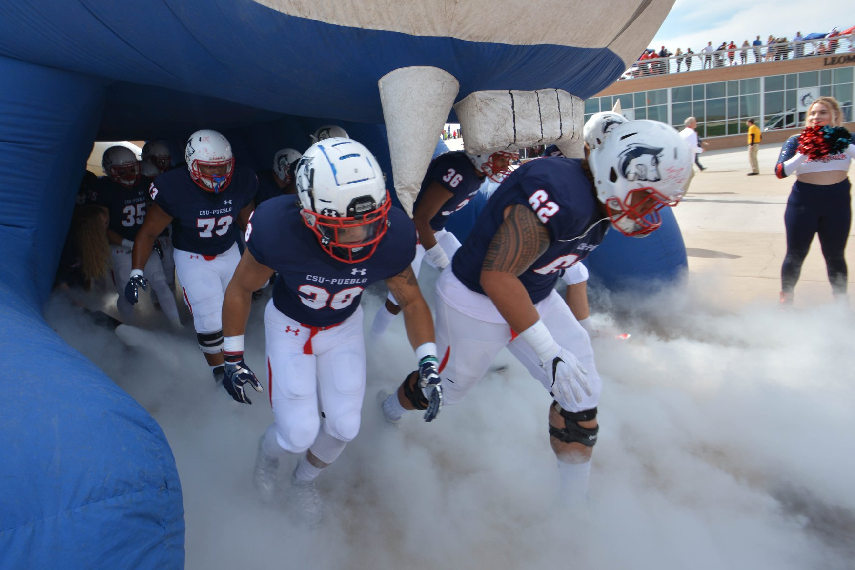 Homecoming football tunnel. Photo by Jason Prescott (A17)